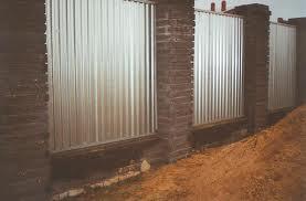 Оцинкованный забор из профнастила С21