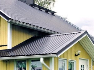 Установка крыши из профнастила