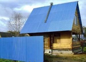 Забор и крыша из одного материала