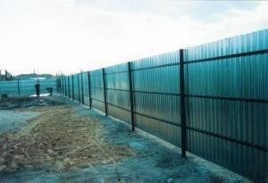 Забор с профильного листа